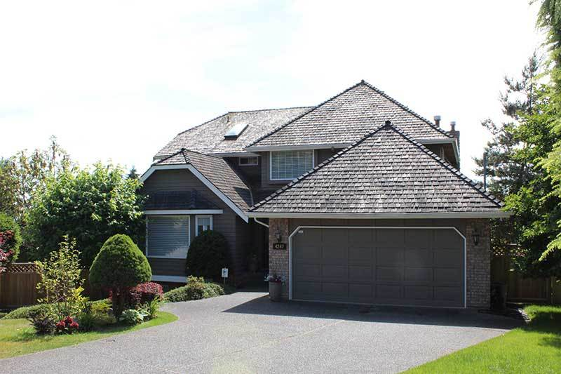 replace old roof shingles roofing company