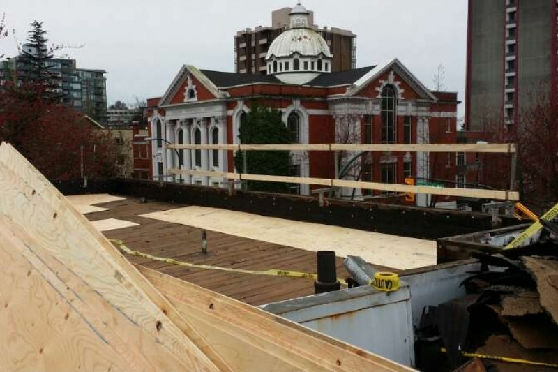 new flat roof during construction