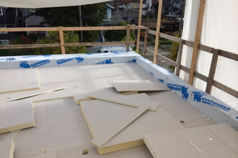 flat roof with soprema roofing materials