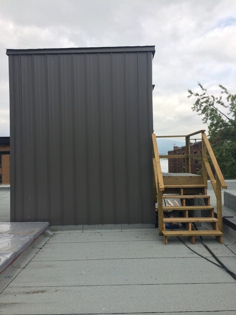 Sheet metal cladding wall