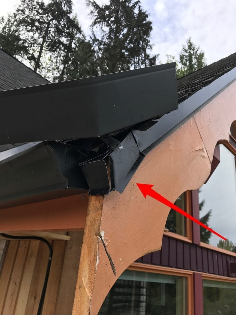 poor roofing - metal